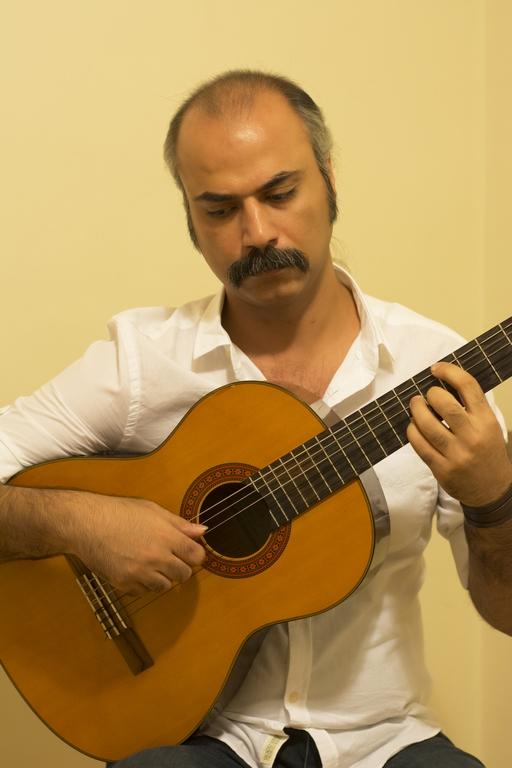 امیر-احمدی-اموزش-گیتار-وگینار-الکتریک