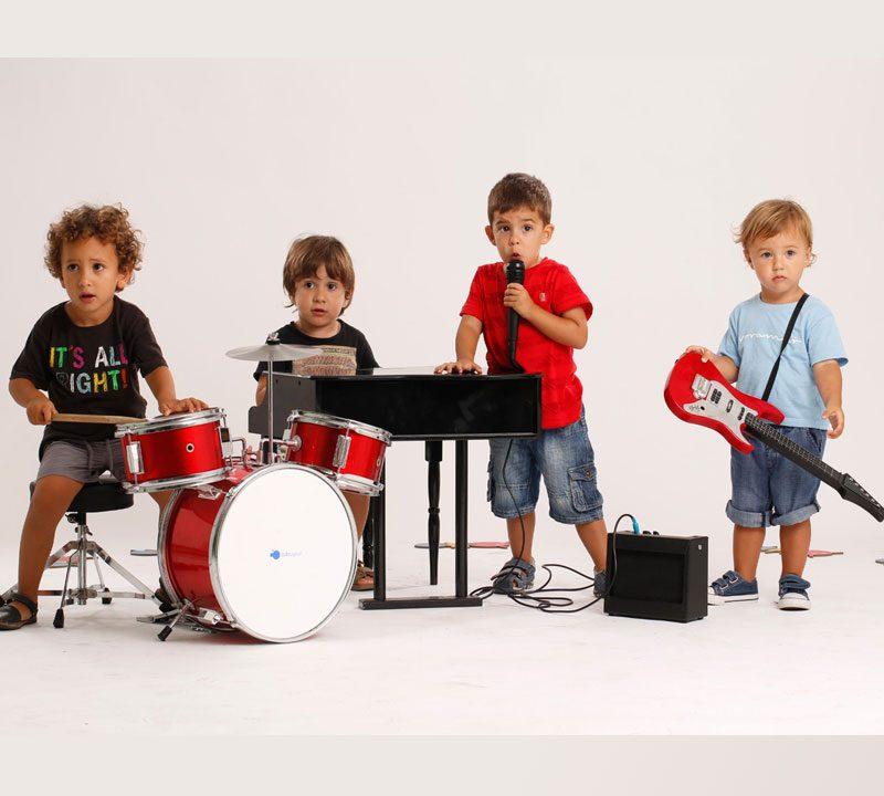 تاثیر-موسیقی-بر-ذهن-کودکان