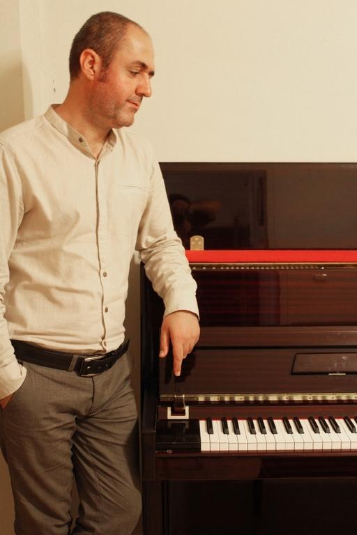 مالک-عدل-آموزش-پیانو (۱)