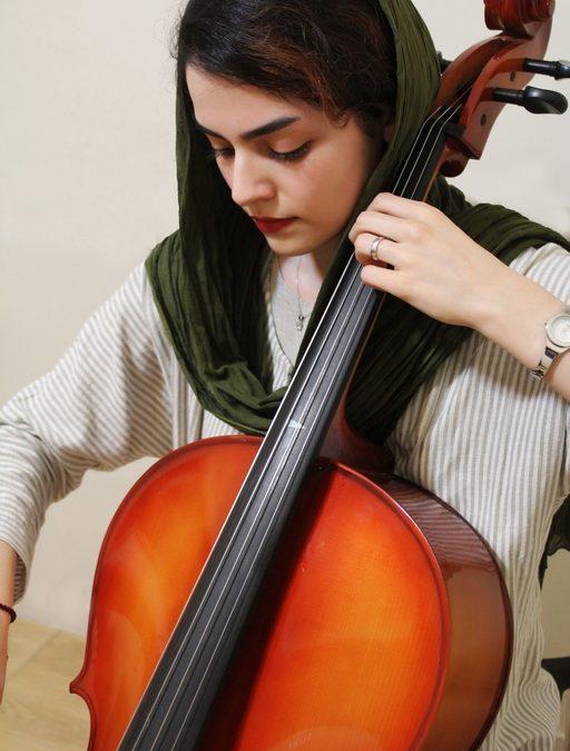 هنگامه-حسینی-آموزش- (2).jpgویولنسل-ارف موسیقی کودک-سلفژ