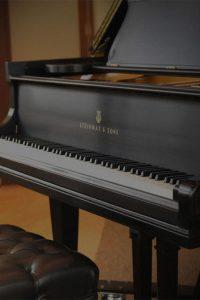 اموزش-تخصصی-ساز-پیانو-در-کرج